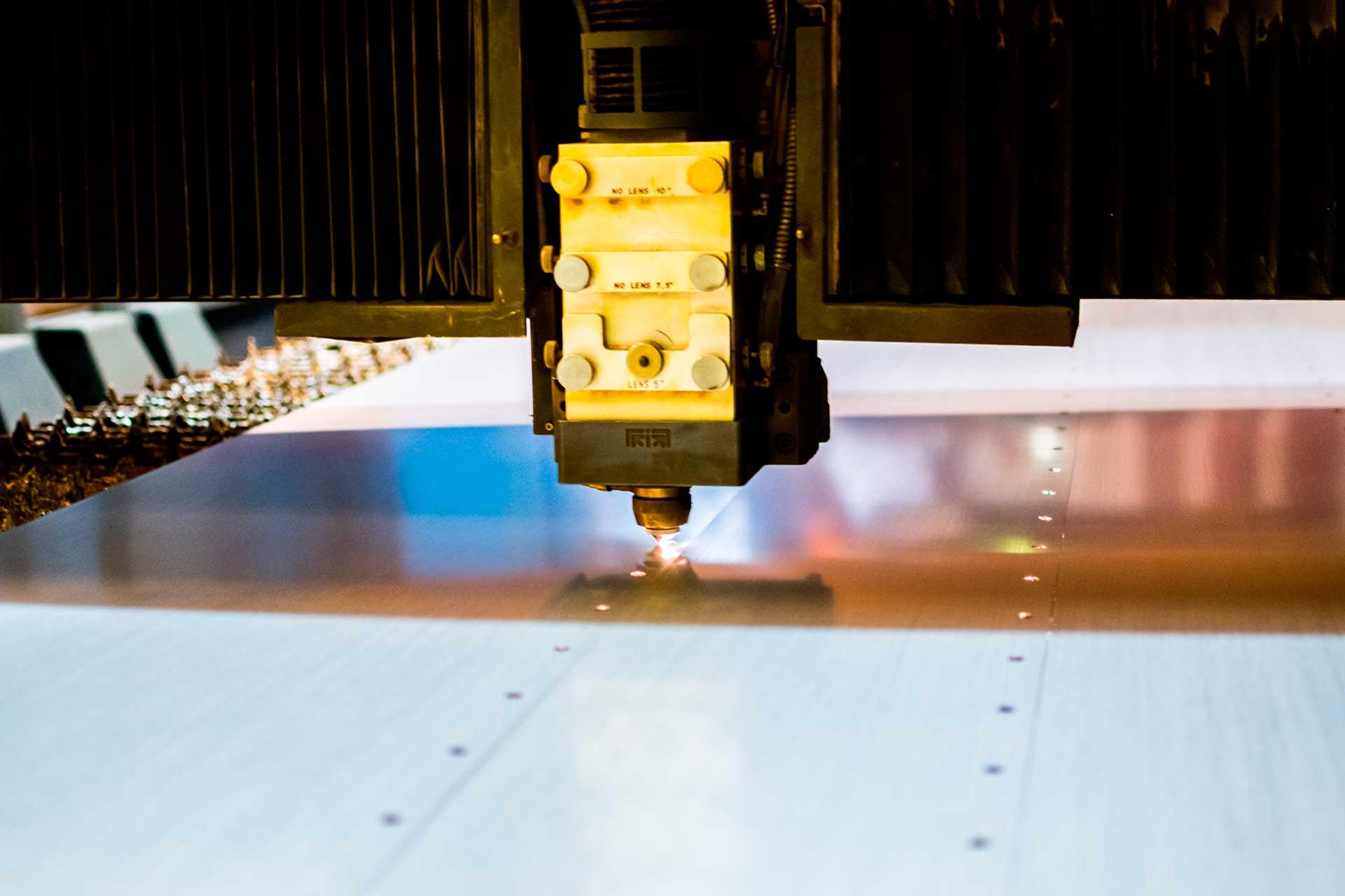 Descubre nuestro proceso metálico de Corte Láser Chapa