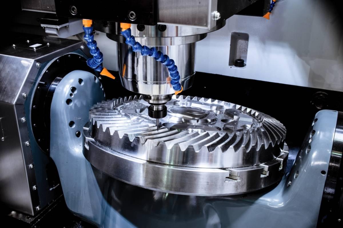 ¿Se puede reducir costes en el mecanizado CNC?